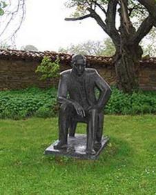 Къщата + паметник на Йовков